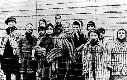 Children at Auschwitz (Archive photo: AP)  (Photo: Reuters)