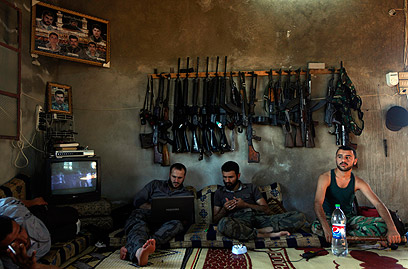 Syrian fighters in Aleppo (Photo: AP) (Photo: AP)