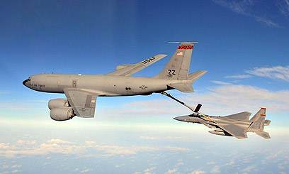 KC-135 Stratotanker refueling an F-15 (Photo: US Air Force)