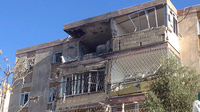 Building in Kiryat Malachi damaged in Operation Pillar of Defense (Photo: Chabad Info)  (Photo: Chabad Info)