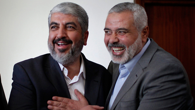 Hamas leaders Khaled Meshal and Ismail Haniyeh meeting in Gaza. (Photo: Reuters) (Photo: Reuters)