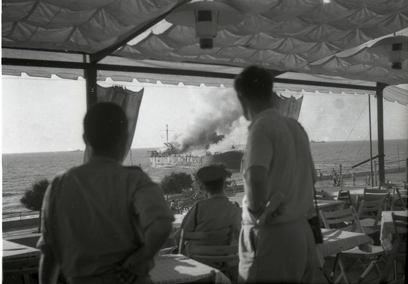 The Altalena burning off the Tel Aviv coast (Photo: National Archives)