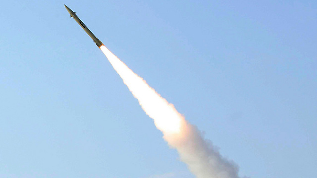 Iranian Fateh-110 surface-to-surface missile (Photo: AP) (Photo: AP)