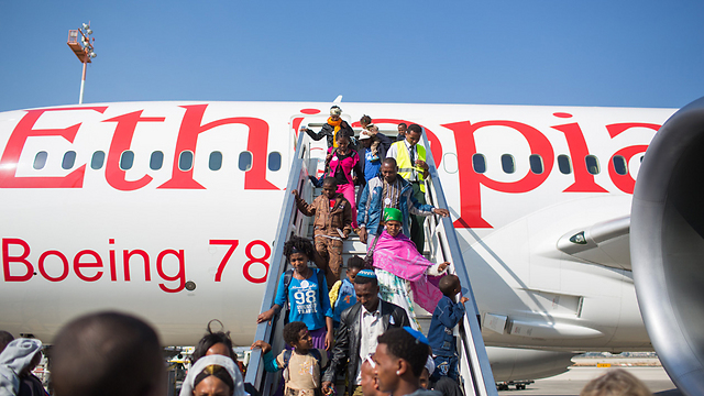 Plane from Ethiopia arrives in Israel (Archive Photo: Ohad Zwinenberg) (Archive photo: Ohad Zwigenberg)