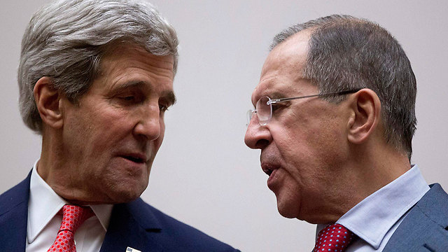 Kerry with Russian FM Lavrov (Photo: Reuters)