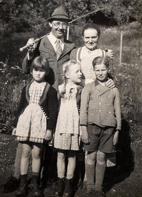 Himmler with family (Photo: Realworks)