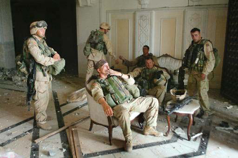 American soldiers in Saddam Hussein's palace (Photo: AP)