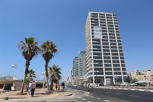Herbert Samuel on Tel Aviv beachfront (Photo: Yaron Brenner)