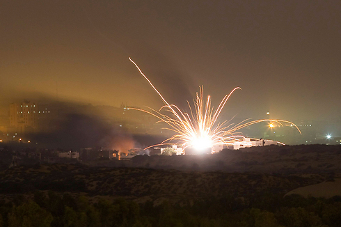 IDF forces fire on Gaza Strip overnight (Photo: Reuters)