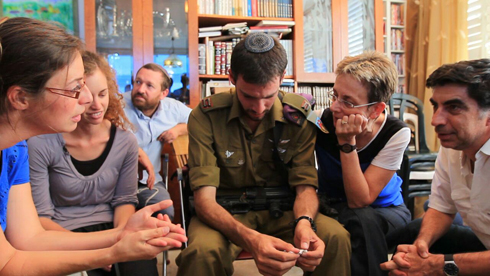 Deputy Eitan visiting the Goldin family. (Photo: Vicky Photographers) (Photo: Vicky Photographers)