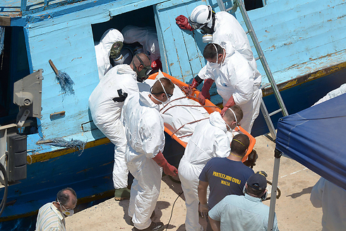 Bodies removed from sea (Photo: AFP) (Photo: AFP)