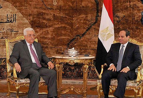 Al-Sisi is furious at Abbas for turning down the reconciliation plan with Hamas and choosing to punish Gaza (Photo: Reuters) (Photo: Reuters)