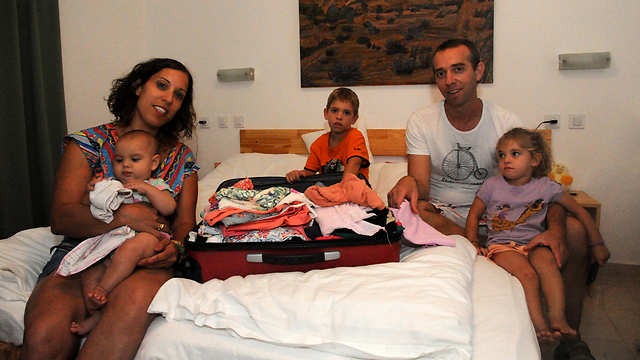 Meirovitch family preparing to return to Kibbutz Nahal Oz (Photo: Haim Hornstein)