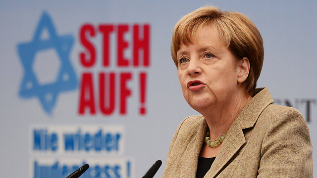 German Chancellor Merkel at a rally against anti-Semitism. Only a quarter of German population believes the EU should intensify activity on the subject (Photo: AFP) (Photo: AFP)