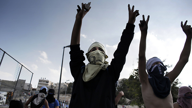 Hamas is doing everything in its power to inflame the tensions (Photo: AFP)