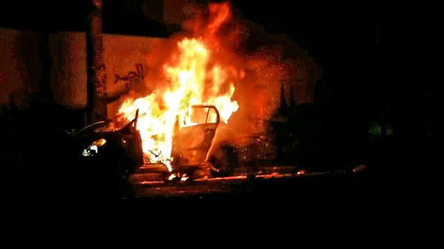 Car set ablaze after attempted attempted lynch