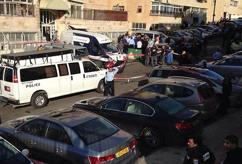 The site of the attack is secured (Photo: Shlomi Cohen) (Photo: Shlomi Cohen)