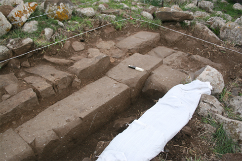 A part of the ancient structure discovered during excavations (Photo: Michael Osband) (Photo: Michael Osband)