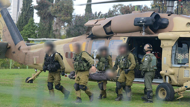 The wounded soldier airlifted to hospital (Photo: Herzl Yosef) (Photo: Herzel Yosef)
