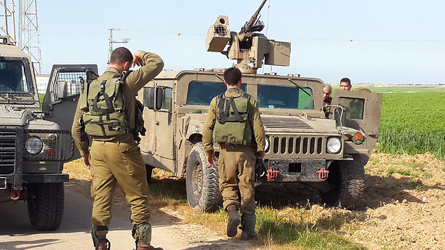 IDF forces on Gaza border after Wednesday's exchange of fire (Photo: Roee Idan)