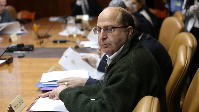 Ya'alon during a cabinet meeting. (Photo: Archive/Amit Sha'abi) (Photo: Amit Sha'abi)