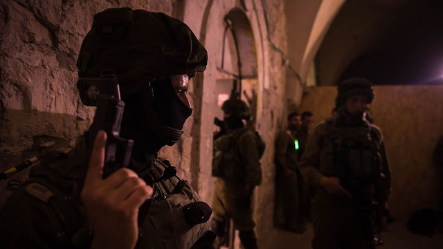 IDF soldiers during a drill in Hebron (Photo: IDF Spokesman)