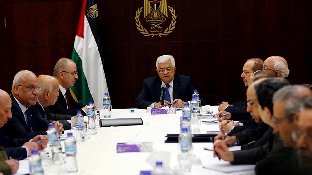 The Palestinian government with Abbas at its head in Ramallah. (Photo: Reuters) (Photo: Reuters)
