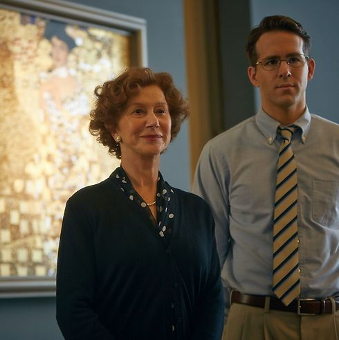 Mirren with co-star Ryan Reynolds standing in front of the famous 'Portrait of Adele Bloch-Bauer I' in 'Woman in Gold'