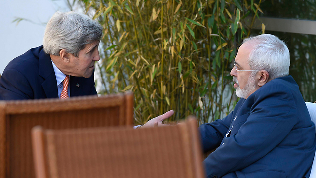 US Secretary of State John Kerry and Iranian counterpart Mohammad Javad Zarif (Photo: AP)  (Photo: AP)