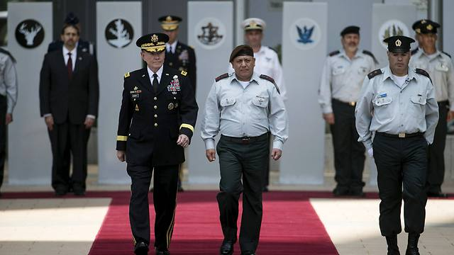 General Martin Dempsey in Israel (Photo:Reuters)