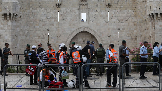 The scene of the attack at the Damascus Gate (Photo: Gil Yohanan)