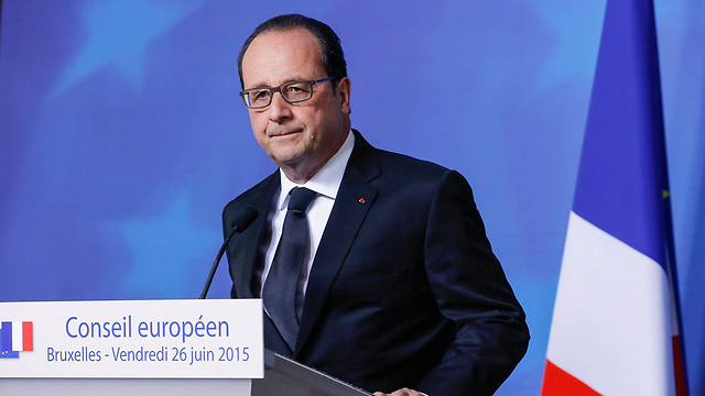 President Hollande says he's fighting anti-Semitism while funding it at the same time (Photo: EPA) (Photo: EPA)