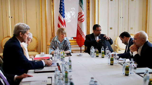 Iranian and American delegations meet for nuclear talks (Photo: Reuters)