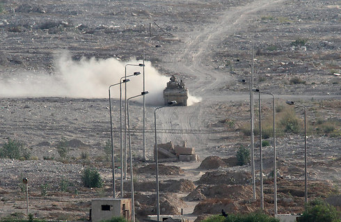 Egyptian tank called to respond to last week's terror attacks in the Sinai (Photo: AP)