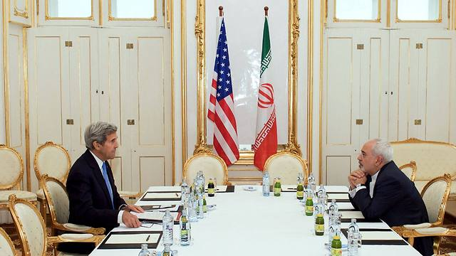 Kerry and Zarif (Photo:AFP)
