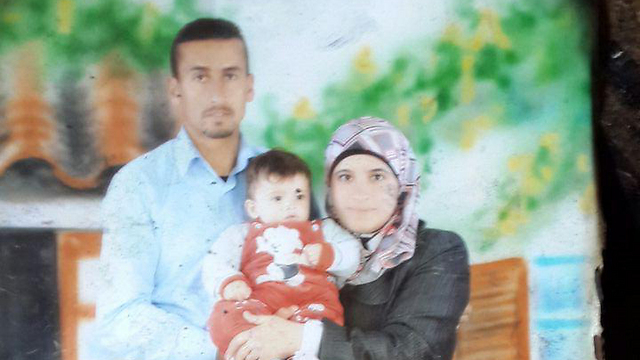 The Dawabsheh family, whose home was set ablaze this week (Photo: Hassan Shaalan) (צילום: חסן שעלאן)