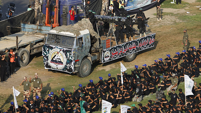Hamas shows off its weapons during a graduation ceremony for young members of its military wing in Gaza (Photo: Reuters)