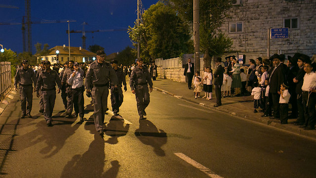 Security troops in Jerusalem, as protest against Jerusalem movie theater opened on Shabbat winds down this year (Photo: Ohad Zwigenberg)