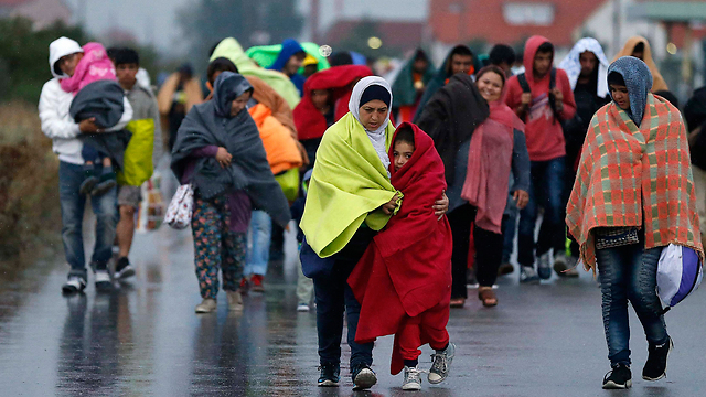 Refugees in Austria. What if they knock on our gates, take the risk and climb the fences with their crying children in their hands? (Photo: AP)