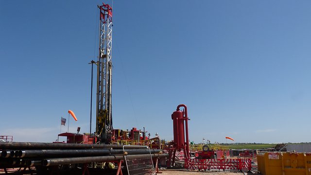 Afek oil well in the Golan Heights (Photo: Picasa)