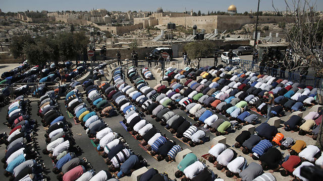 Friday's prayers on the Temple Mount. (Photo: AFP)