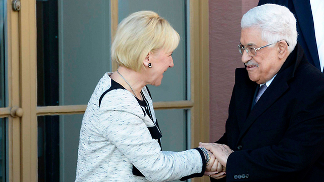 Swedish Foreign Minister Margot Wallstrom with Palestinian President Mahmoud Abbas. (Photo: Reuters)