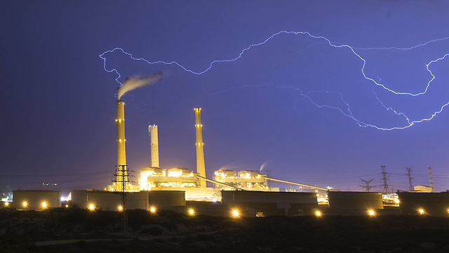 Neither was Ashkelon spared from Wednesday night's lightening show. (Photo: Reuters)