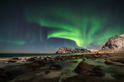 The Northern Lights seen from the Lofoten Islands, Norway (Photo: Erez Marom)