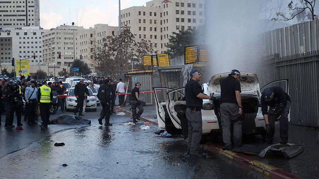 Scene of the vehicular attack at the entrance to Jerusalem (Photo: AFP)