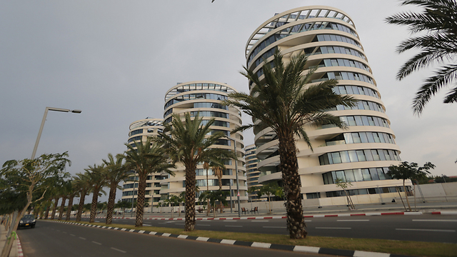 The YOO Towers where Refaeli lived for free (Photo: Yaron Brener)