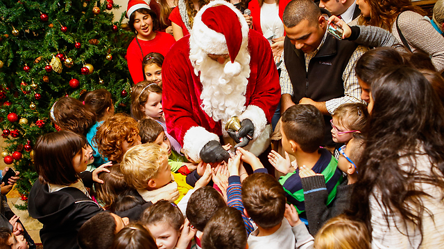 Jerusalem YMCA's Christmas market last year (Photo: Eyal Weiss)