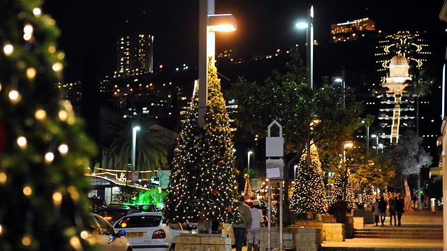 Christmas in Haifa (Photo: Zvi Roger)