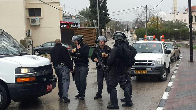 Special police forces in Arara, where Nashat Melhem was hiding (Photo: Hassan Shaalan)