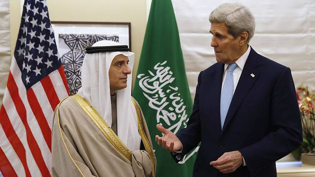 US Secretary of State John Kerry, right, meets with Saudi counterpart Adel al-Jubeir (Photo: AFP)
